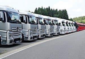 שורת משאיות הובלה